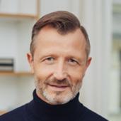 Freundlicher Herr mit Bart Testimonial von KVA